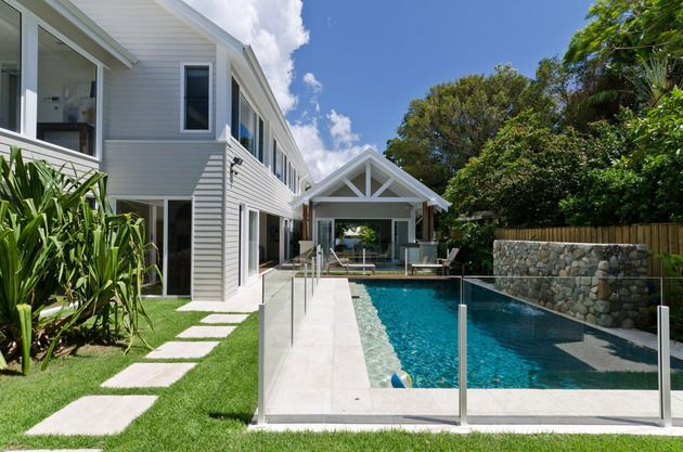 large-spaces-poolside-living-contemporary-seaside-home-9-poolside-path.jpg