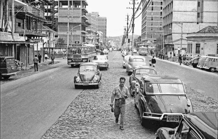 Av. Rio Branco esquina com a Rua Floriano Peixoto, em outubro de 1969 (foto autoria de Roberto Dornellas).