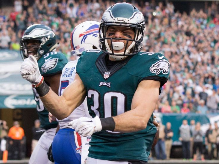 13. Eagles (21): A team left for dead just two weeks ago suddenly controls its playoff fate. NFC East membership has its, ahem, privileges.       - Bill Streicher, USA TODAY Sports  -    NFL Power Rankings Week 15