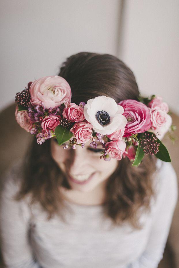 ©Lovely Pics - DiY Couronne de fleurs  - La mariee aux pieds nus #flower crown how to #DiY fresh flower crown