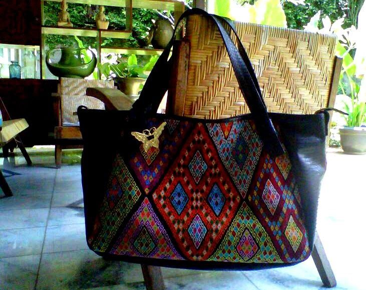 Buna tenun hobo bag with cobra skin finishing by Batik Chic