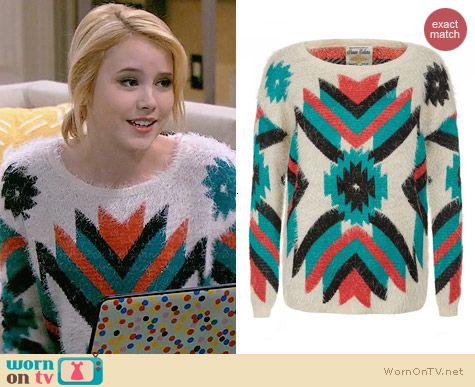 Lennox's fluffy tribal print sweater on Melissa and Joey.  Outfit Details: http://wornontv.net/30463/ #MelissaandJoey