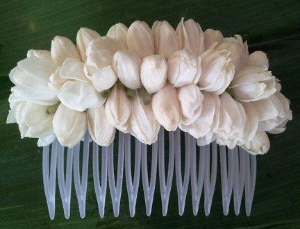Pikake Hair Comb  Fresh Hawaiian Pikake by AlohaHawaiianFlowers, $19.00  THIS IS AWESOME! Perfect for future wedding<3