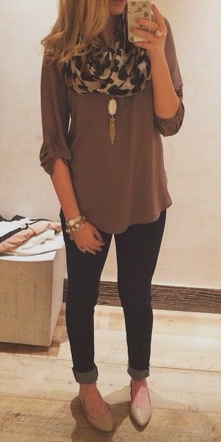 Tan or neutral top, jeans, leopard scarf, neutral or gold flats, long necklace under scarf
