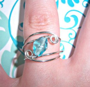 229 best our free jewelry projects images on pinterest jewelry this easy diy ring is a good introduction to wire ring making especially if youre new to wire jewelry solutioingenieria Image collections