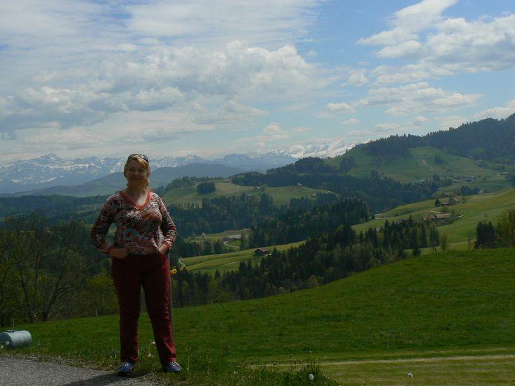 """Швейцарские Альпы, 😋еще не прошло и года, как мы там были с Катей Л. И не просто были, а приехали на машине🚗 из Перми. В Швейцарии, как и по другим Европейским странам, проездом. Это тот случай, когда мечты, силы, время и возможности совпали сразу у двух """"ненормальных"""" экстрималок из Перми👭. Как итог этой поездки, можно сказать: Мечты сбываются! и Ничего невозможного нет, если сильно этого хотеть, 🙋главное - правильно поставить намерение! Обучение у Джона Кехо прошло не зря!🙏"""