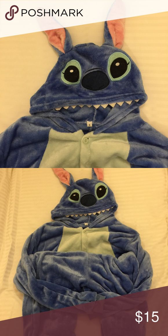 Stitch pajama cosplay size small. Stitch pajama cosplay size small. Super cute and never wear because it is very big for me ( I'm 145 cm tall/ 82 Ibs) • height(cm) 150-160 • breast(cm) 115 • shoulder(cm) 46 • sleeve(cm) 50 • lenght of gorment(including hut) 130 • not Hot Topic brand!! Hot Topic Intimates & Sleepwear Pajamas