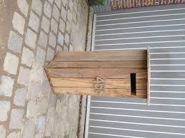 Afbeeldingsresultaat voor landelijke houten brievenbus