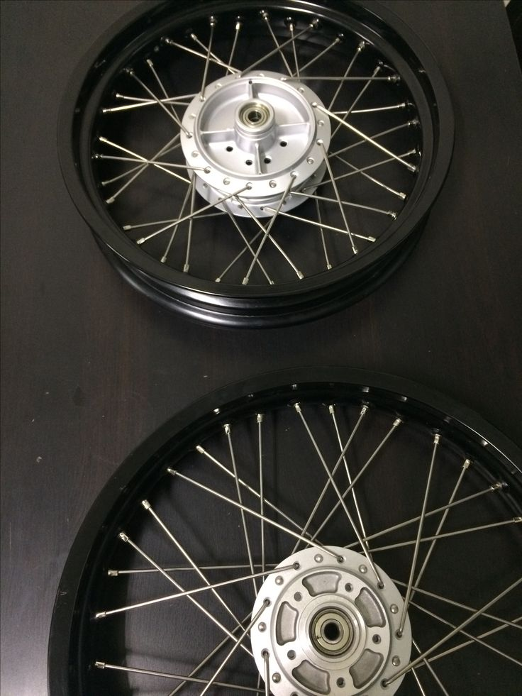 We built these two samples with stainless spokes for motorcycle companies. We welcome you contact us for samples. www.newsonsportec.com #motorcycle #stainless spokes #newsonsportec #streetmotorcycle #custommotorcycle #customwheels