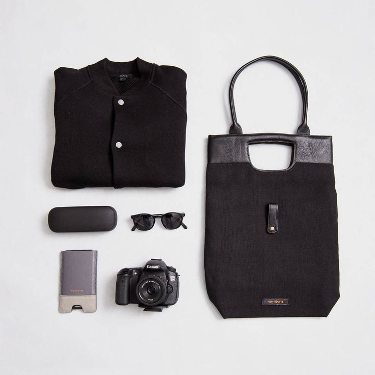 The streamlined Ystad Tote and the Saigon phone Sleeve. Every day essentials designed with simplicity and versatility in mind.