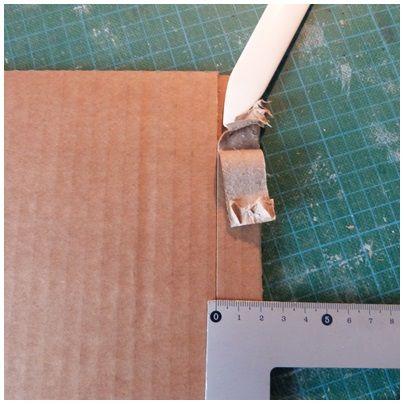 Assembler deux plaques de carton simplement et de façon propre. Voici un article qui va surement vous intéresser.