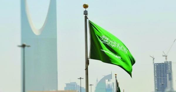 السعودية تحل مشكلة ديون رسوم المرافقين والشرط الحرمان من دخول المملكة صورة Outdoor Decor Decor Home Decor