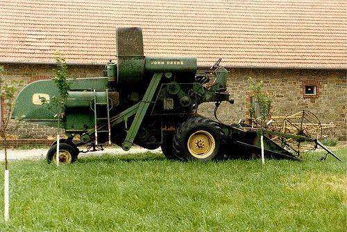 old John Deere combine | This John Deere oldie I have seen i… | Flickr