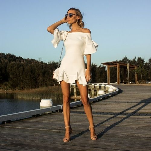 White Summer Dress, White Maurie and Eve dress, Summer Style, Summer outfit White Frill Dress, @thelustlife_