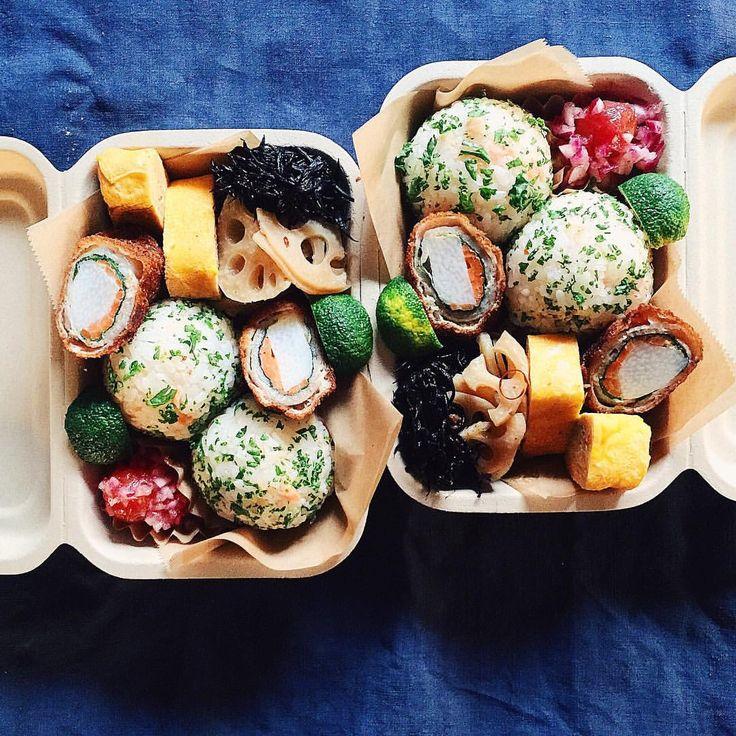 ˘̈ 朝おべん*ϋ* ˘̈ 肉巻きフライは、長芋・大葉・人参。 すだちを絞っていただきます☺︎︎ おにぎりは鮭フレーク・パセリ。 こちらもすだち風味で☺︎︎ ˘̈ 晴れてきて気持ちが良いであります☀︎ #tami弁