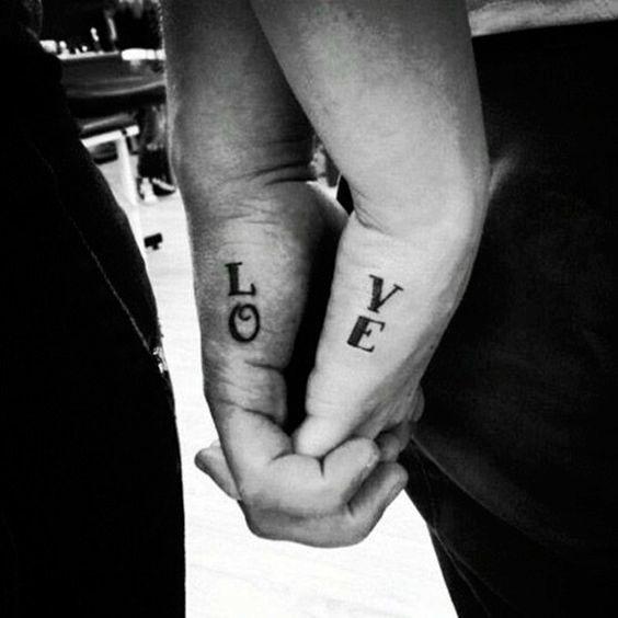 Tattoos para marcar tu boda: lo que la tinta ha unido...