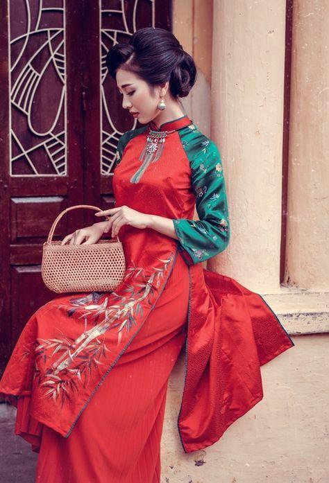 'Bản sao' Nguyễn Thị Huyền đẹp mặn mà sang trọng với áo dài cách tân