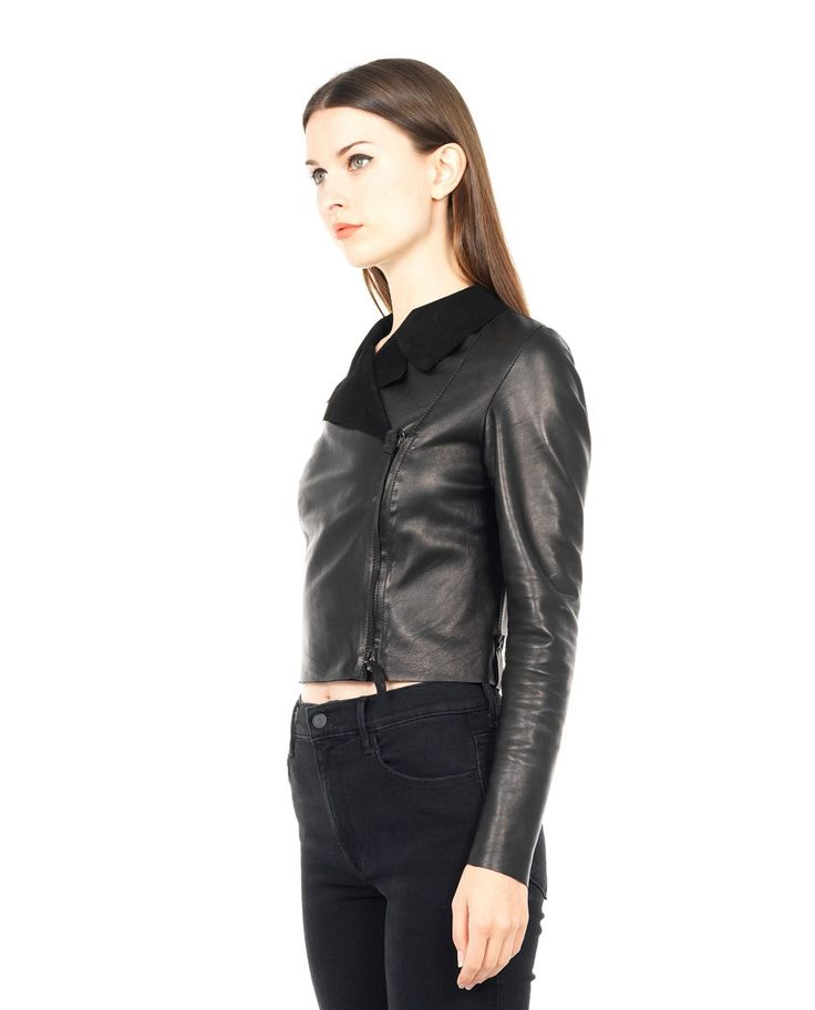 B-USED SHORT LEATHER JACKET S/S 2016 Black leather jacket shirt collar long sleeves relief seams  cross zipper closure 100% Leather