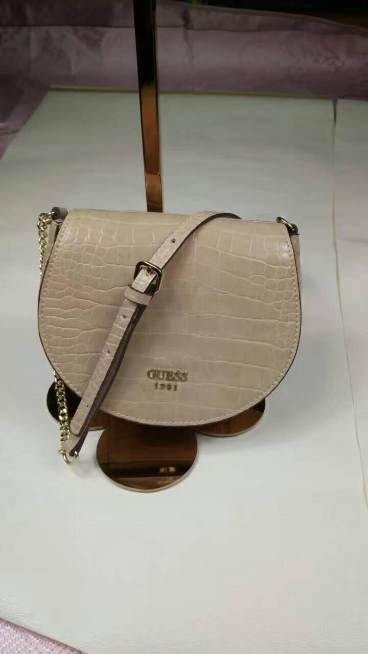 Guess (27usd) Whatsapp:+8613418595267 or +8618620002097 Email:2091851576@qq.com wechat:18620002097