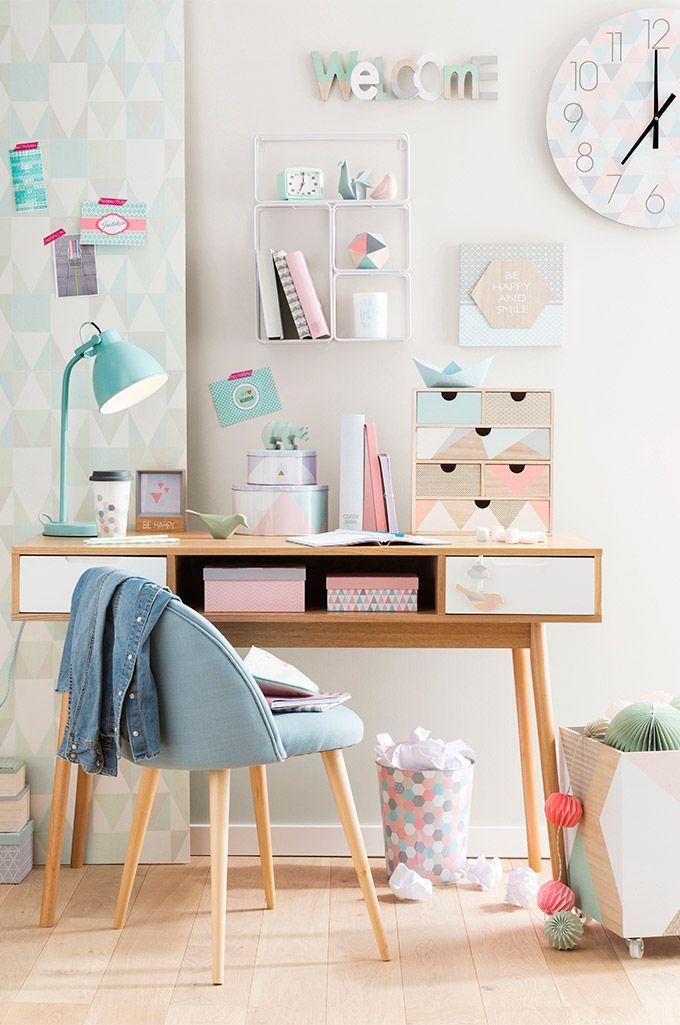 Style graphique et couleurs pastel pour la chambre enfant