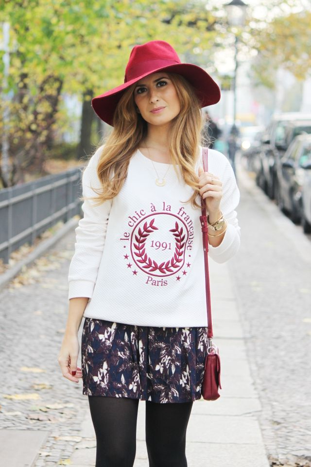 Casual Look. Trendy Look. Look con sombrero. A trendy life. #casual #trendy #burgundy #hat #lacambrabag #suiteblanco #lapetitefrançaise #lacambra #massimodutti #mariapascual #marks&spencer #outfit #fashionblogger #atrendylife www.atrendylifestyle.com