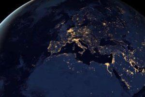 NIesamotiy widok obracającej się Ziemi z satelity NASA! Kliknij w zdjęcie, przejdź na stronę i pobierz wygaszacz za darmo! / Free screensaver #wygaszacz #wygaszacze #screensaver #screensavers #NASA #freebie #gratis