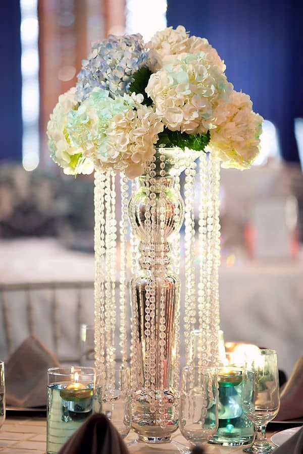 15 Glamorous Great Gatsby Wedding Decorations Wedding Themes Cuteweddingideas C Great Gatsby Themed Wedding Gatsby Wedding Theme Wedding Theme Centerpieces