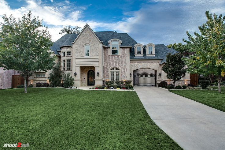 1000 images about beautiful homes in dfw on pinterest for Porte cochere homes