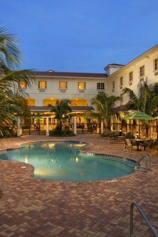 Experience The Wayfarer A New Downtown Santa Barbara Hotel Hostel Located Near State Street