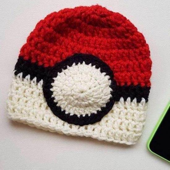 Pokemon Pokeball Beanie