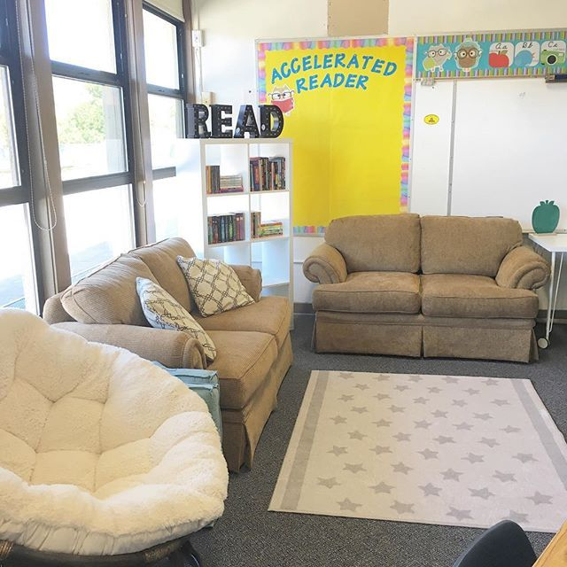 My 5th grade classroom library - such a cute middle school classroom library…