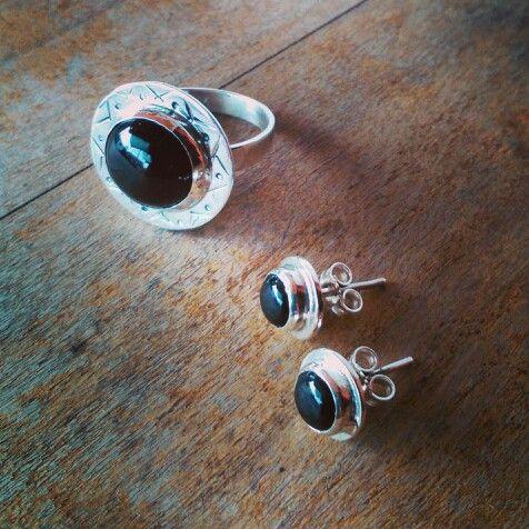 Conjunto de Plata,  anillo y aritos, con Onix.