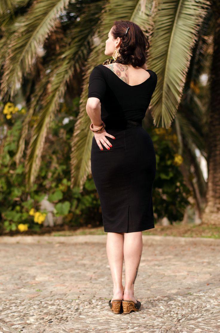 Top Betty en negro http://ow.ly/Lihnn  Falda Marion en negro http://ow.ly/Lihwd