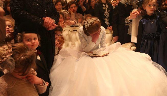 חתונה בחסידות סאסוב קרעטשניף - הארץ Chasidic Wedding