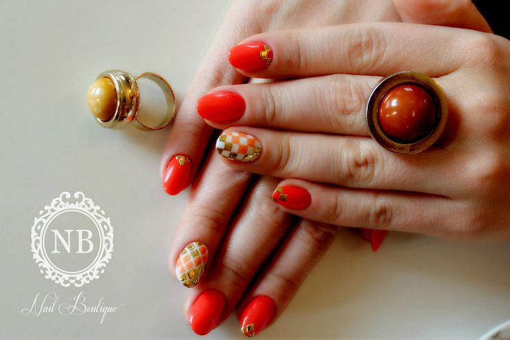 Intense orange nails