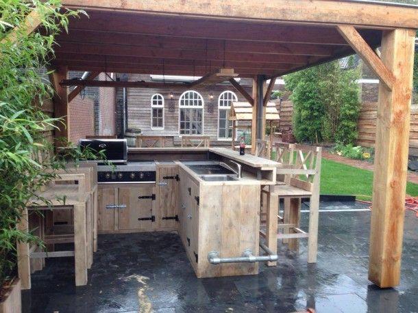 Fancy pancy! So nice!  Chique steigerhouten buitenkeuken. Wij maken het, vuur-tafel nl Door vuur-tafel