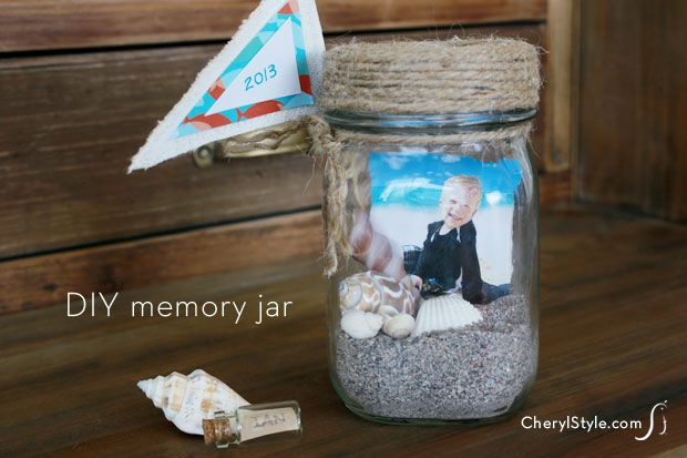 Summer vacation DIY memory jars * Links to a ton more with instructions