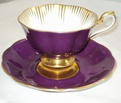 lovin' the gold with this purple tea cup