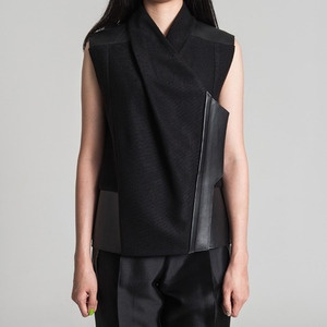 People of Tastes: Korea  v neck leather point vest  #peopleoftastes #heohwansimulation #fw #leathervest #vest