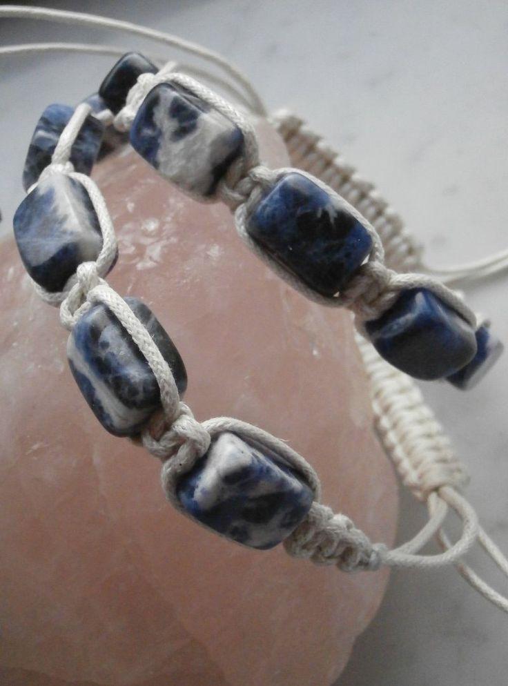 braccialetto in cotone bianco, stile shambala, macramè nodo quadrato, con sodalite : Braccialetti di gioielli-di-giada