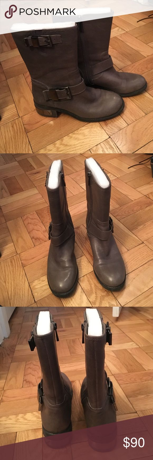 The best ankle boots Perfect ankle boots for fall and winter! Great color with gunmetal details. Lightly worn Vince Camuto Shoes Ankle Boots & Booties
