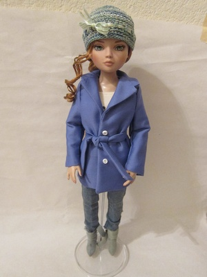 a trench coat for Ellowyne Wilde.  The pattern is from a neat book from Doll Reader that has just patterns for Ellowyne; you can find it online at http://shop.dollsmagazine.com/books/doll-reader-pattern-book-featuring-ellowyne-wilde.html.: Ellowyn Dolls, Clothing Patterns, Barbie Patterns, Dolls Clothing, Dolls Readers, Pattern Books, Fashion Dolls, Patterns Books, Kairi Dolls