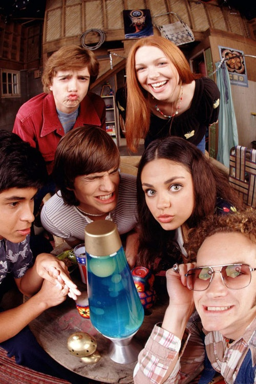 that 70s show - great cast..and I love how Kelso and Jackie are a real life couple now.