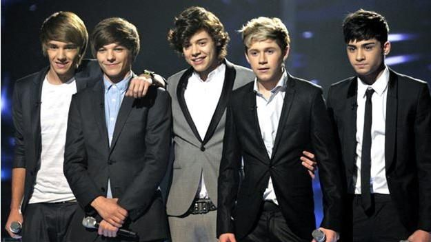 Le groupe One Direction se fait agresser par des fans françaises hystériques ! Vidéos folles :