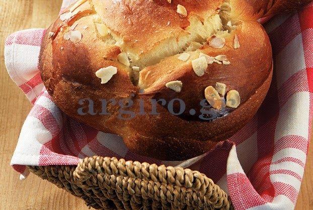 Γλυκές Τρέλες: Νηστίσιμα τσουρέκια της Αργυρως! !