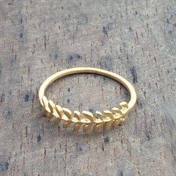 Bague Ambre dorée 5 Octobre chez l'Atelier des Bijoux Créateurs e-galerie.