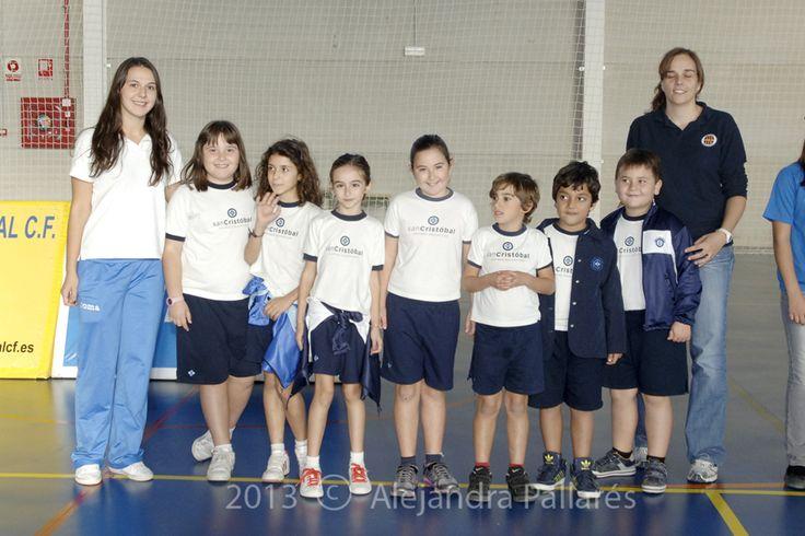 Presentación del equipo de voleibol con el Club Voley L'Illa Grau - Colegio San Cristóbal