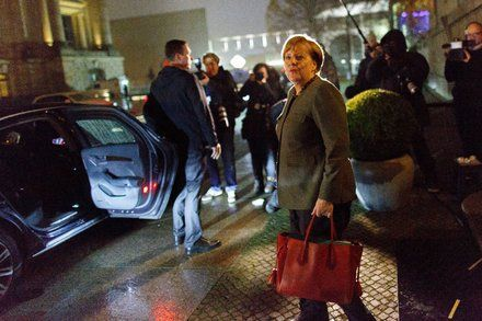 Angela Merkels Coalition Talks Miss Deadline and Go Into Overtime