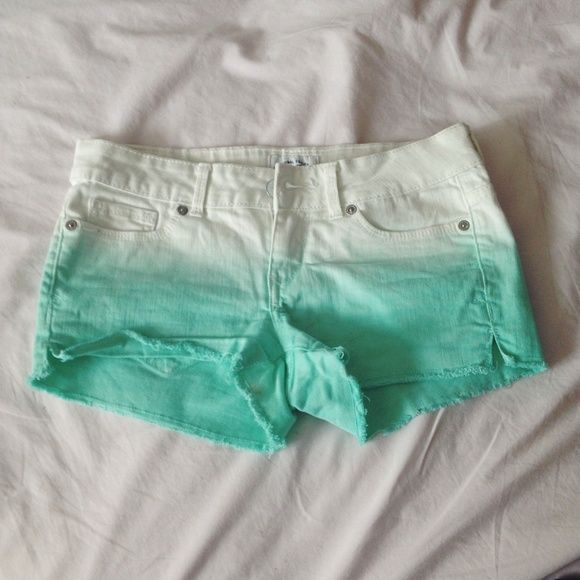 Dip Dye Shorts Dip dye/ombré shorts from Aeropostale. Worn a couple summers but not a lot since it's not too warm where I live. Aeropostale Shorts