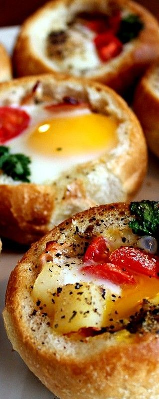 Bread Bowl Breakfast ~ This Egg Dish is incredibly Easy to Make.
